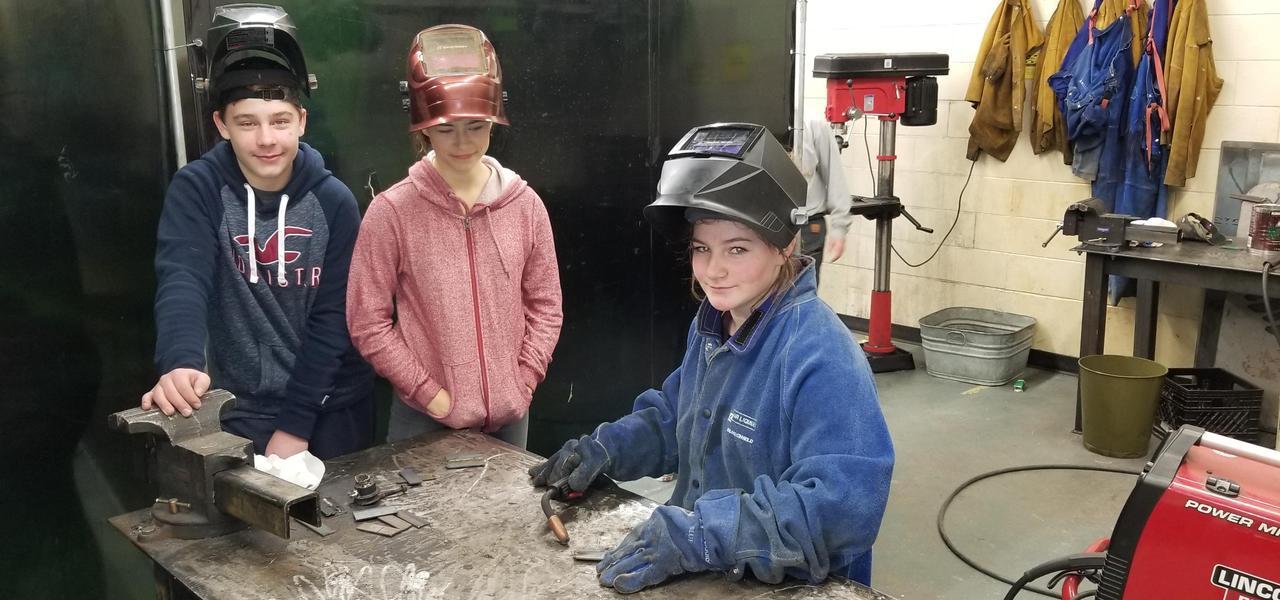 Motosport Students Working Together