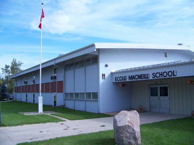 Ecole Macneill
