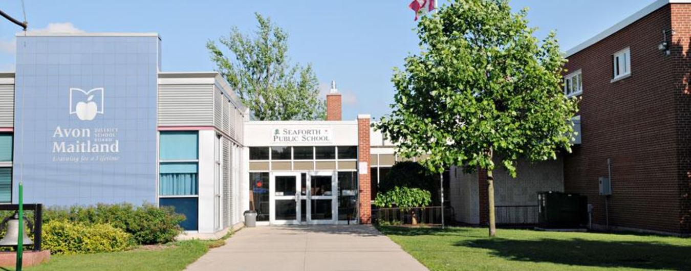 Image of the front entrance of Seaforth Public School