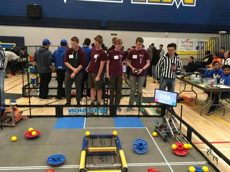 Robots gather in the Comox Valley for a STEM competition Featured Photo