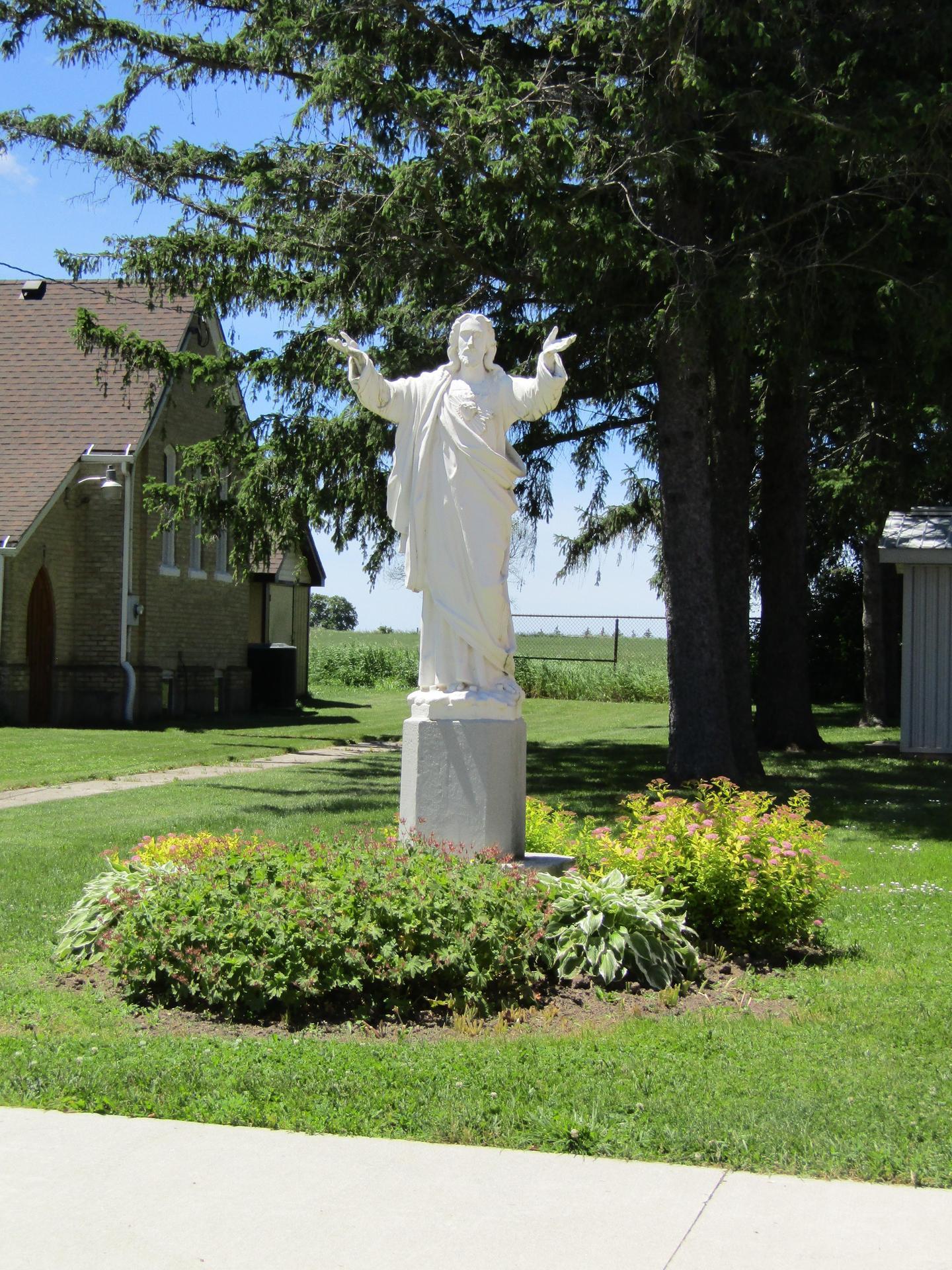 Sacred Heart Teeswater statue
