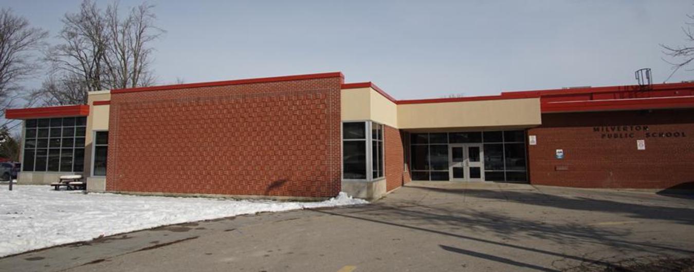 Image of the front entrance of Milverton Public School
