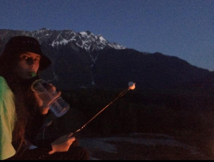 Violette campfire