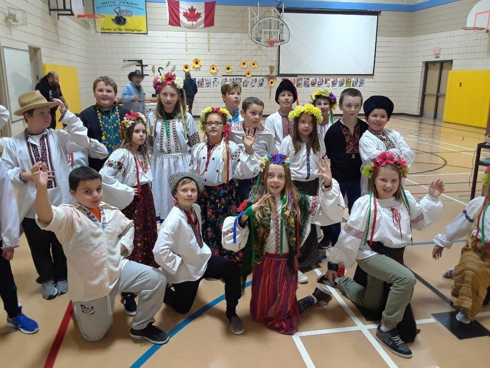students in Ukrainian outfits
